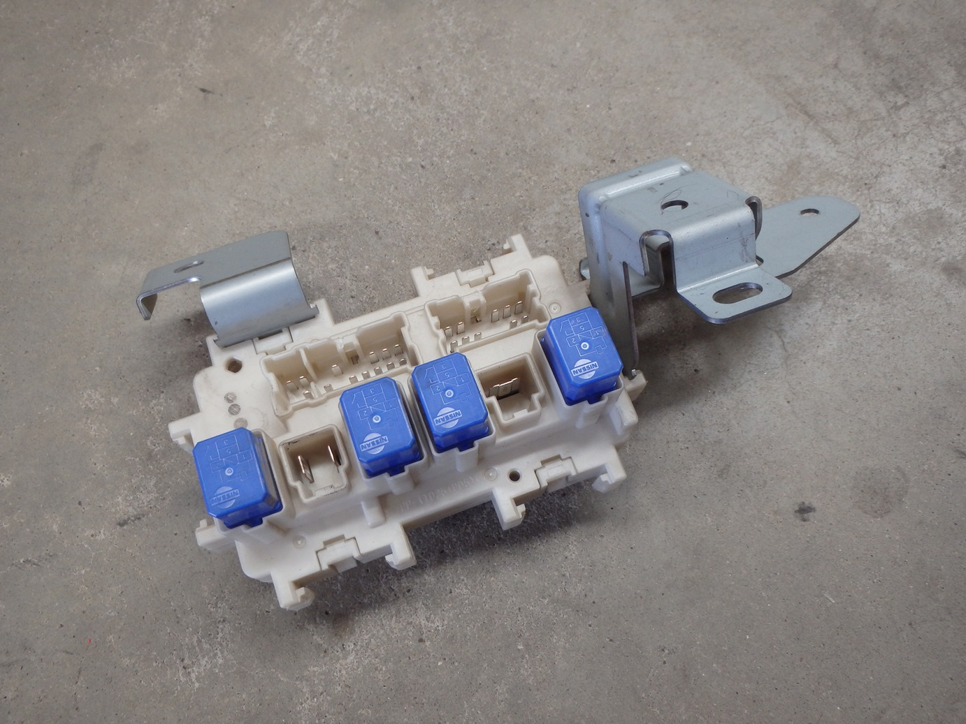 Nissan R35 GTR GT-R Interior Fuse Relay Panel Junction Box