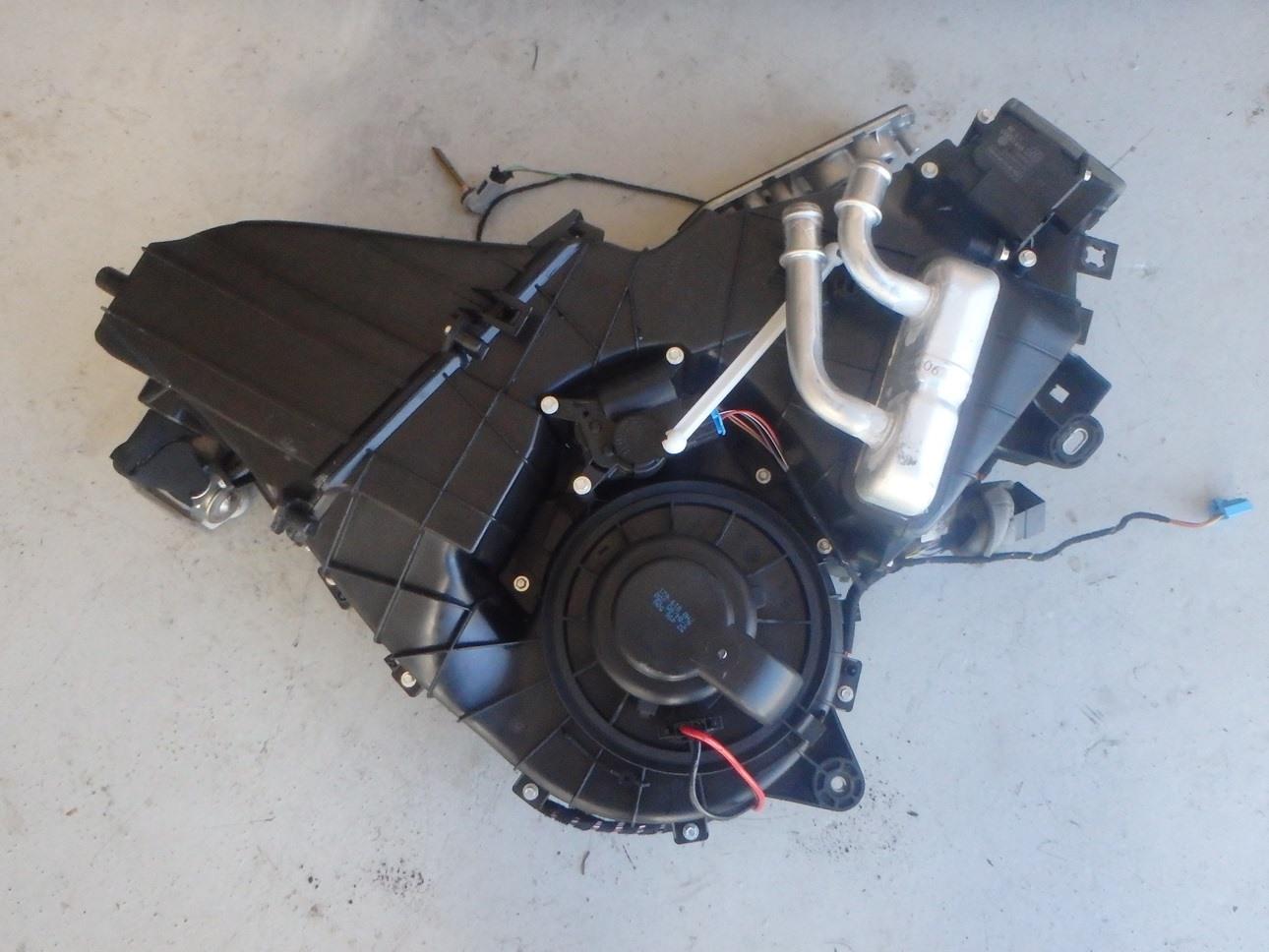 Porsche Cayenne Turbo 9pa 955 2005 Rear Ac Heater Core Box Fuse 7l0820004d J091