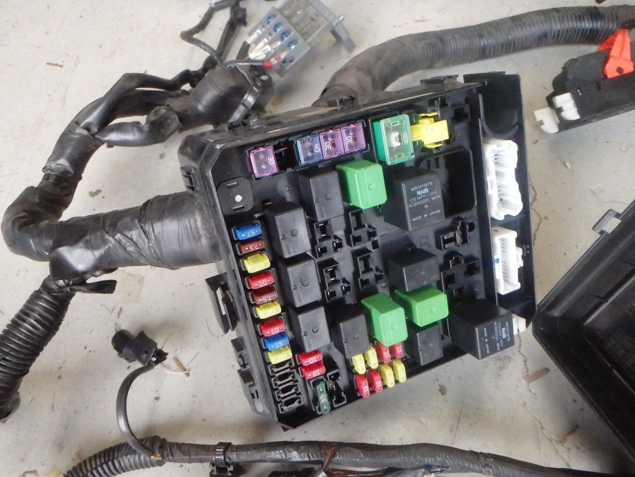 Likewise Hyundai Sonata Fuse Box On Hyundai Santa Fe Fuse Box Diagram